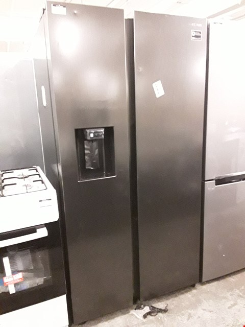 Lot 40 SAMSUNG AMERICAN STYLE DOUBLE DOOR FROST FREE FRIDGE FREEZER WITH WATER AND ICE DISPENSER IN BLACK