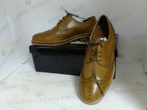 Lot 16071 BOXED PAIR OF DESIGNER JASPER CONRAN LEATHER SHOES - UK SIZE 8