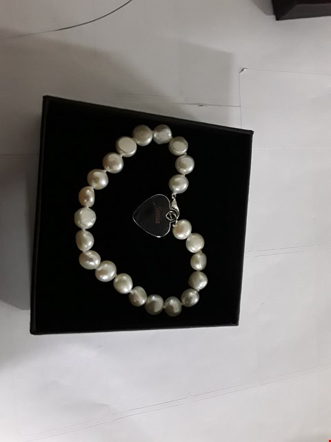 Lot 1010 PERSONALISED HEART CHARM DROP FRESHWATER BRACELET RRP £40