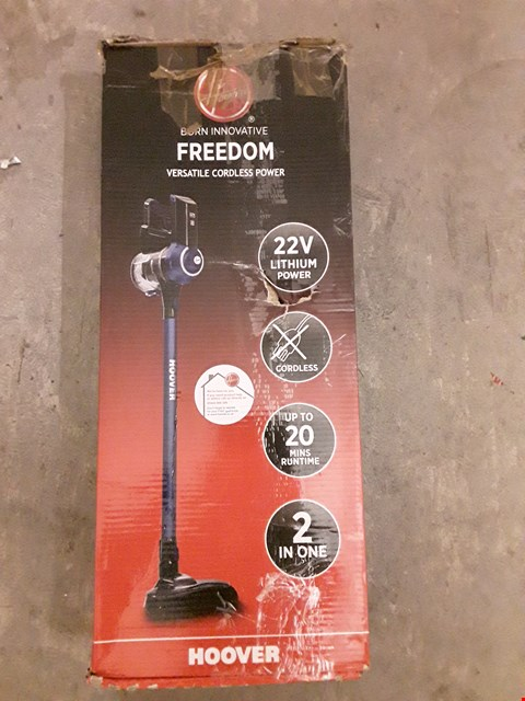 Lot 567 HOOVER FREEDOM LITE 2-IN-1 CORDLESS STICK VACUUM CLEANER