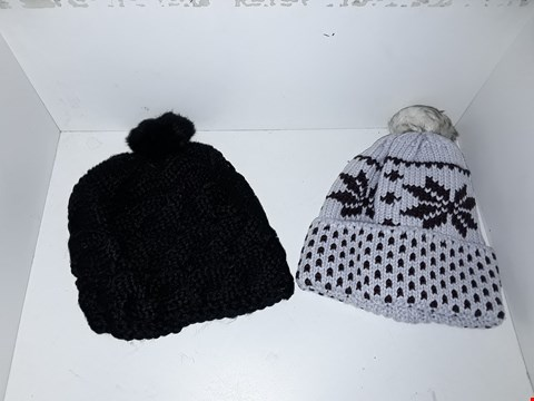 Lot 1030 BOX OF APPROXIMATELY 70 BRAND NEW ASSORTED BOBBLE HATS