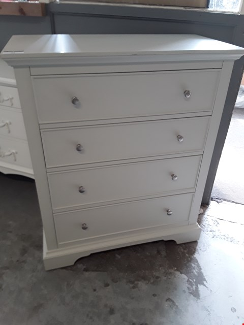 Lot 52 DESIGNER PUTTY FINISH 4 DRAWER CHEST