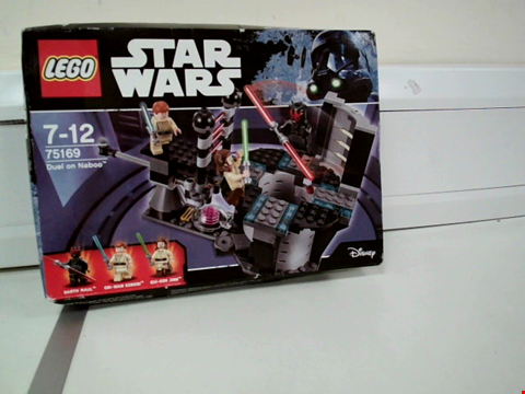 Lot 8058 LEGO STAR WARS 75179 DUEL ON NABOO SET