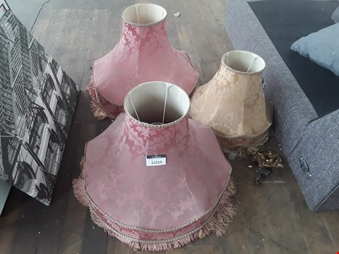 Lot 11019 LOT OF 3 ASSORTED DESIGNER ORNATE LAMPSHADES IN PINK AND GOLD