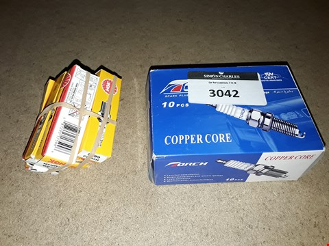 Lot 3042 TWO ITEMS, BOX OF 10 COPPER CORE GL2RC SPARK PLUGS & 6 KGN CMR5H SPARK PLUGS