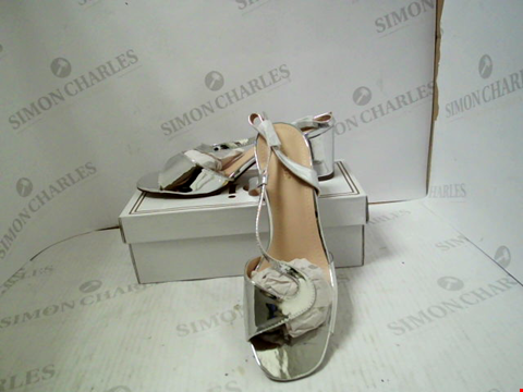 Lot 3011 PAIR OF DESIGNER JOIA WOMENS SILVER HEELS - UK SIZE 7
