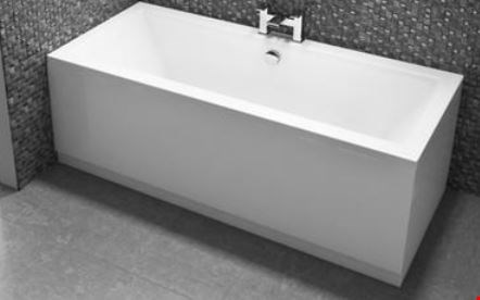 Lot 13641 BRAND NEW 18968 CHILTERN 1700 X 750 DOUBLE ENDED BATH WITH 11 JET AND LEG SET