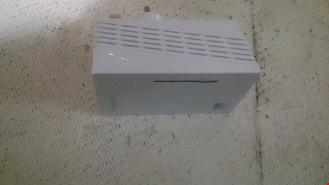 Lot 41 TP-LINK 600 MBPS 2-PORT POWERLINE ADAPTER WI-FI EXTENDER