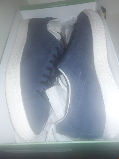 Lot 1029 A PAIR OF CLYDE FROSTED TRAINERS UK SIZE 10