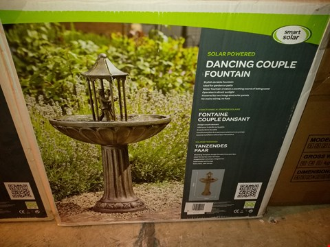 Lot 6440 BOXED SMART SOLAR SOLAR POWERED DANCING COUPLE FOUNTAIN