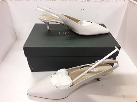 Lot 4010 PAIR OF DESIGNER LADIES SLINGBACK SHOES IN THE STYLE OF HOBBS LONDON SIZE UK 5