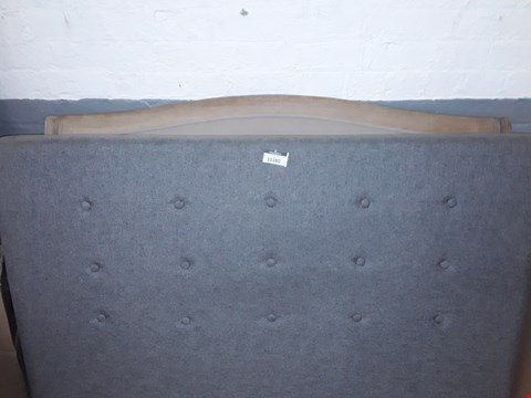 Lot 11180 LOT OF 2 ASSORTED HEADBOARDS TO INCLUDE GREY FABRIC HEADBOARD AND WOODEN / FABRIC HEADBOARD