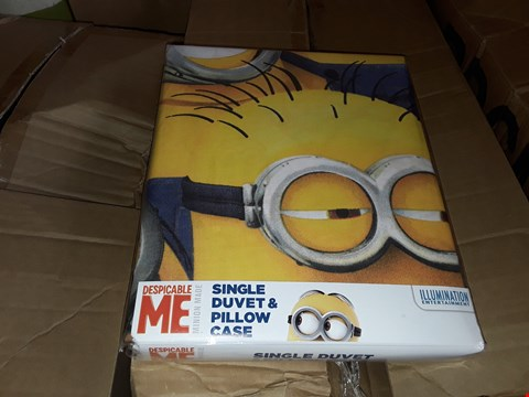 Lot 6 3 BOXES TO AMOUNT TO APPROXIMATELY 36 DESPICABLE ME MINION MADE SINGLE DUVET AND PILLOW CASES