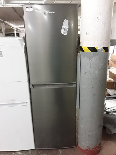 Lot 65 SWAN SR8160S 50/50 FRIDGE FREEZER IN SILVER