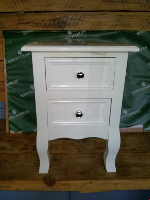 Lot 10052 LOT OF 2 WHITE PAINTED WOOD 2 DRAWER BEDSIDE TABLES