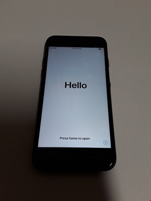 Lot 586 APPLE IPHONE 7 128GB MOBILE PHONE - BLACK