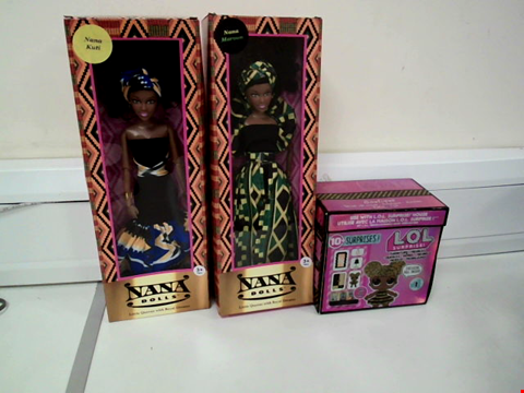 Lot 8075 LOT OF 3 TOYS TO INCLUDE 2X NANA DOLLS AND L.O.L. SUPRISE! FURNITURE SET