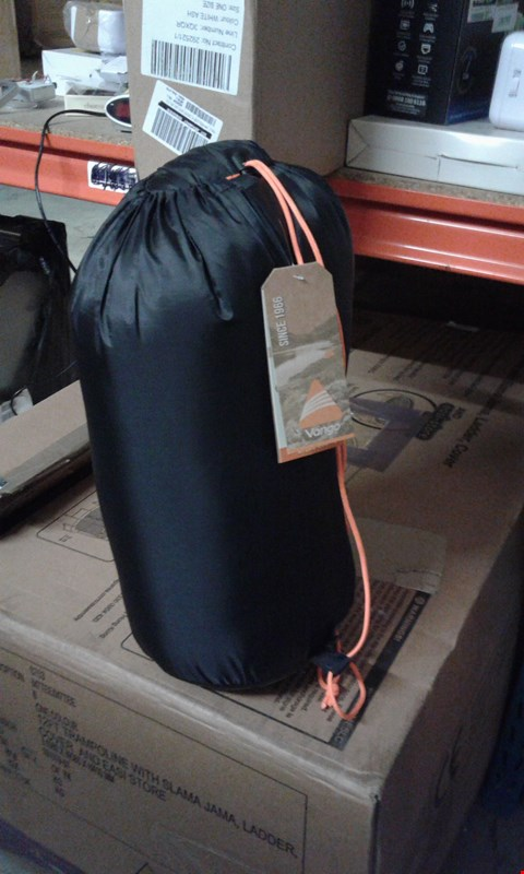 Lot 7729 GRADE 4 ATLAS 250 SINGLE SLEEPING  BAG  RRP £29.00