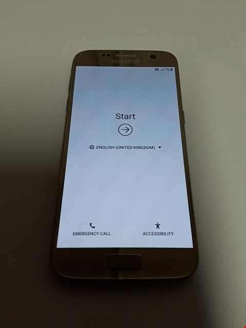 Lot 11156 SAMSUNG GALAXY S7 32GB MOBILE PHONE - GOLD