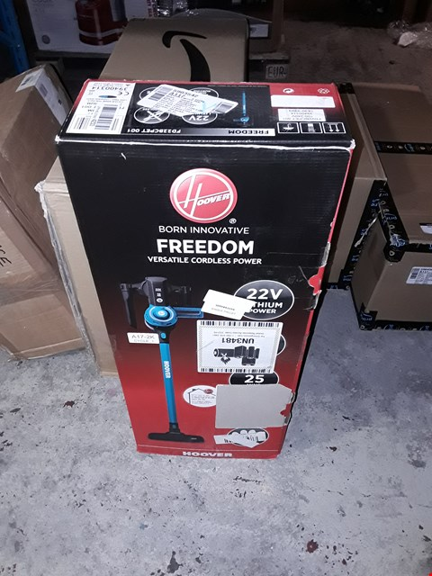 Lot 3229 HOOVER FREEDOM 2-IN-1 PETS CORDLESS STICK VACUUM CLEANER