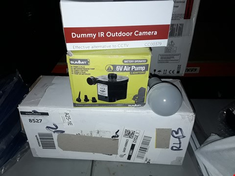 Lot 8527 LOT OF 4 ASSORTED ITEMS TO INCLUDE A DUMMY IR OUTDOOR CAMERA, A SUMMIT 6V AIR PUMP, LED SOLAR LIGHT BULB ETC