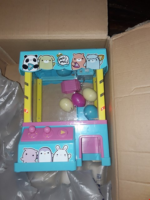 Lot 4555 CLAW MACHINE PLAYSET  RRP £57.00