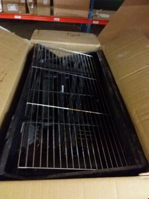 Lot 7069 BOXED AMERICAN STYLE SMOKER BBQ BLACK RRP £130.00