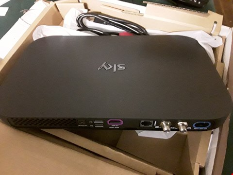 Lot 957 BOXED SKY Q 1 TB SET TOP BOX