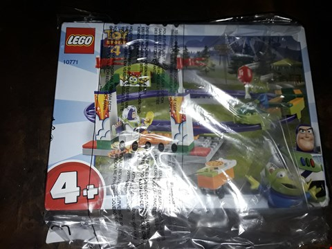 Lot 4063 LEGO TOY STORY 4 ROLLERCOASTER PLAYSET