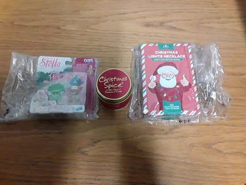 Lot 7142 BOX OF 9 ASSORTED BRAND NEW ITEMS TO INCLUDE LILY-FLAME CHRISTMAS SPICE TIN CANDLE, ANGRY BIRDS STELLA TELEPODS, CHRISTMAS LIGHTS NECKLACE RRP £165