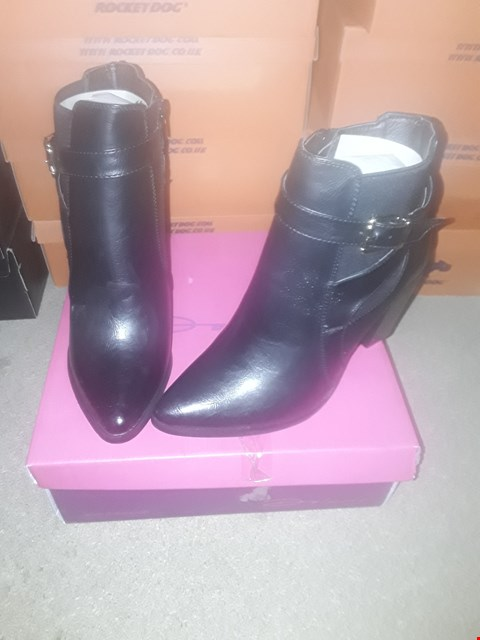 Lot 2135 LOT OF 3 BRAND NEW DOLCIS BLACK BUCKLE ANKLE BOOTS SIZE 8 RRP £75