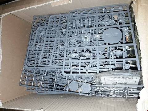 Lot 6066 A BOX OF ASSORTED PLASTIC FIGURES FOR MODELS