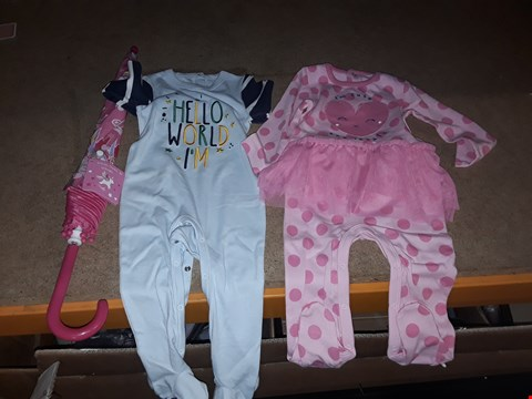 "Lot 8449 BOX OF APPROXIMATELY 20 ASSORTED ITEMS TO INCLUDE A UNICORN DREAMS UMBRELLA, A ""HELLO WORLD I'M"" BOYS ONESIE, A ""I'M CUTE AND LOVELY"" GIRLS ONESIE ETC"