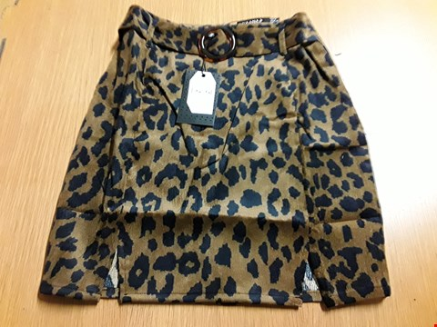 Lot 8014 BRAND NEW NAANAA LADIES LEOPARD CORDUROY CO-ORD SKIRT - SIZE 10