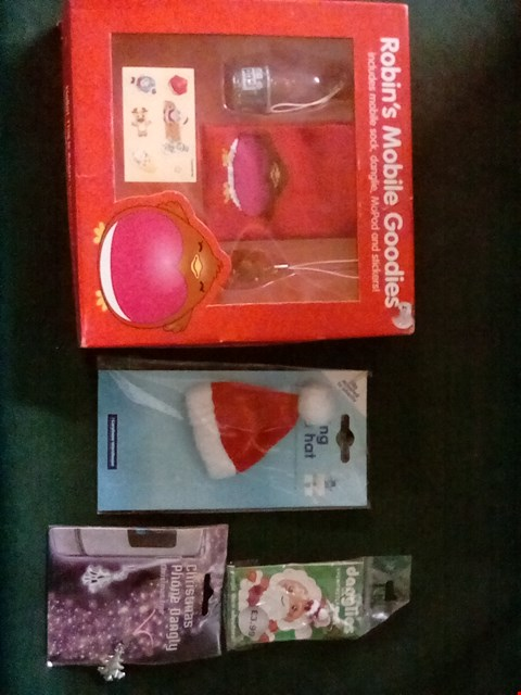 Lot 1088 A BOX OF ASSORTED CHRISTMAS MOBILE PHONE ACCESSORIES INCLUDING CHARMS, SANTA HAT, POUCH