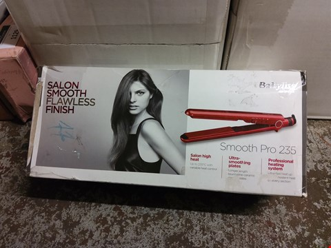 Lot 1127 BOXED BABYLISS SMOOTH PRO 235