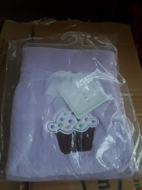 Lot 2016 54 BRAND NEW BOXED KIDSLINE LILAC CUPCAKE BABY BLANKETS (2 BOXES) RRP £430