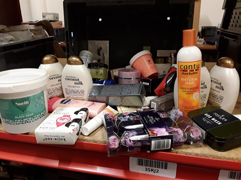Lot 9035 TRAY OF APPROXIMATELY 40 ASSORTED BEAUTY ITEMS, INCLUDING, COCONUT MILK, AFRICAN BLACK SOAP, BEAUTY BOUTIQUE TRIO CRACKER SET,NJOULES HOG WASH, KOJIE SAN, (TRAY NOT INCLUDED)