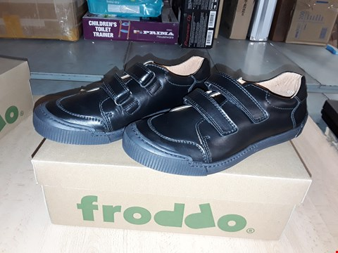 Lot 12453 BOXED FRODDO BLACK LEATHER VELCRO SHOES UK SIZE 5