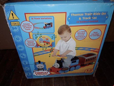 Lot 805 THOMAS BATTERY OPERATED TRAIN RIDE ON & TRACK SET RRP £170