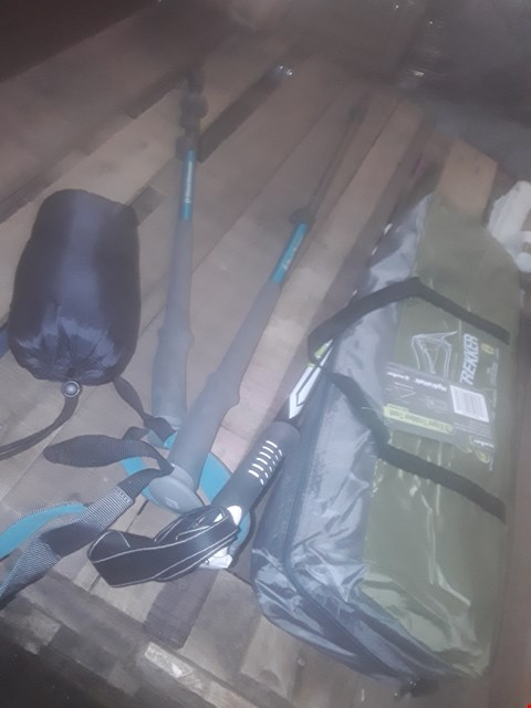 Lot 8519 LOT OF ITEMS TO INCLUDE 3 HIKING STICKS ONE BLACKDIMOND ONE,AND A EIGER TREKKER  TRENT ONE PERSON