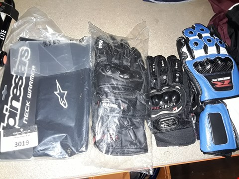Lot 3019 THREE PAIRS ASSORTED MOTORCYCLE GLOVES & ALPINESTARS NECK WARMER