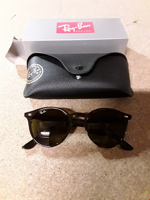 Lot 233 RAY-BAN ROUND SUNGLASSES RRP £155