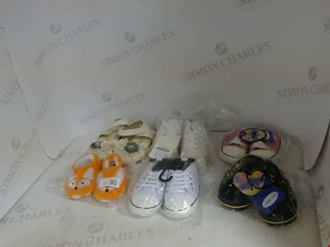 Lot 16029 LOT OF 6 PAIRS OF ASSORTED BABY SHOES