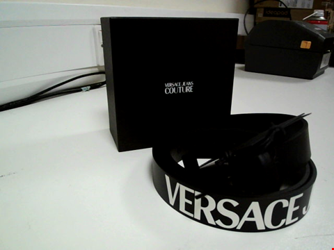 Lot 3620 BRAND NEW BOXED VERSACE JEANS COUTURE BLACK BELT