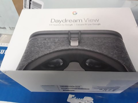Lot 4116 BOXED GRADE 1 GOOGLE DAYDREAM VIEW CHARCOAL VR HEADSET  RRP £100