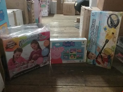 Lot 2880 LOT OF 3 BRAND NEW ITEMS TO INCLUDE REAL BAKING CHOCOLATE PEN, DIGITAL METAL DETECTOR AND PEPPA PIG SELECTION BOX  RRP £76