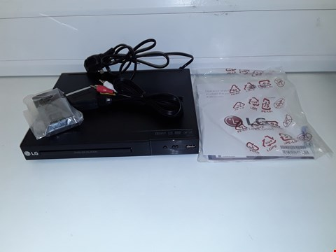 Lot 9 LG DP132 DVD PLAYER