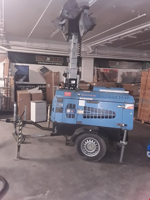 Lot 2 MOBILE LIGHTING TOWER ( HYDRAULIC WINCH )