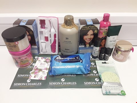 Lot 403 BOX OF APPROXIMATELY 14 ASSORTED ITEMS TO INCLUDE SHAMPOO CAP, MASK REMOVER SPONGES, NIGHT LOTION ETC